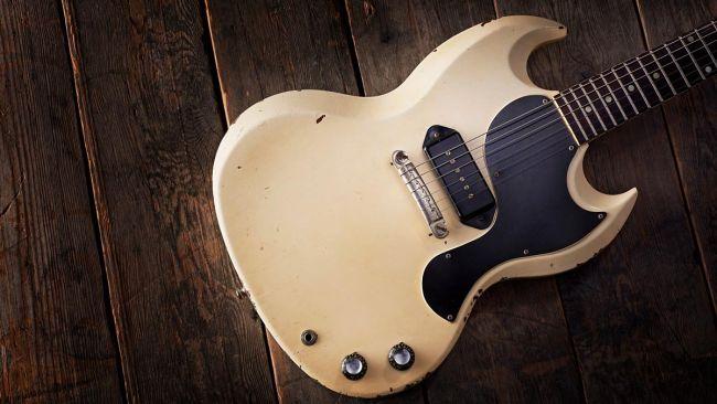 Gibson SG estándar del 61, con acabado blanco de serie