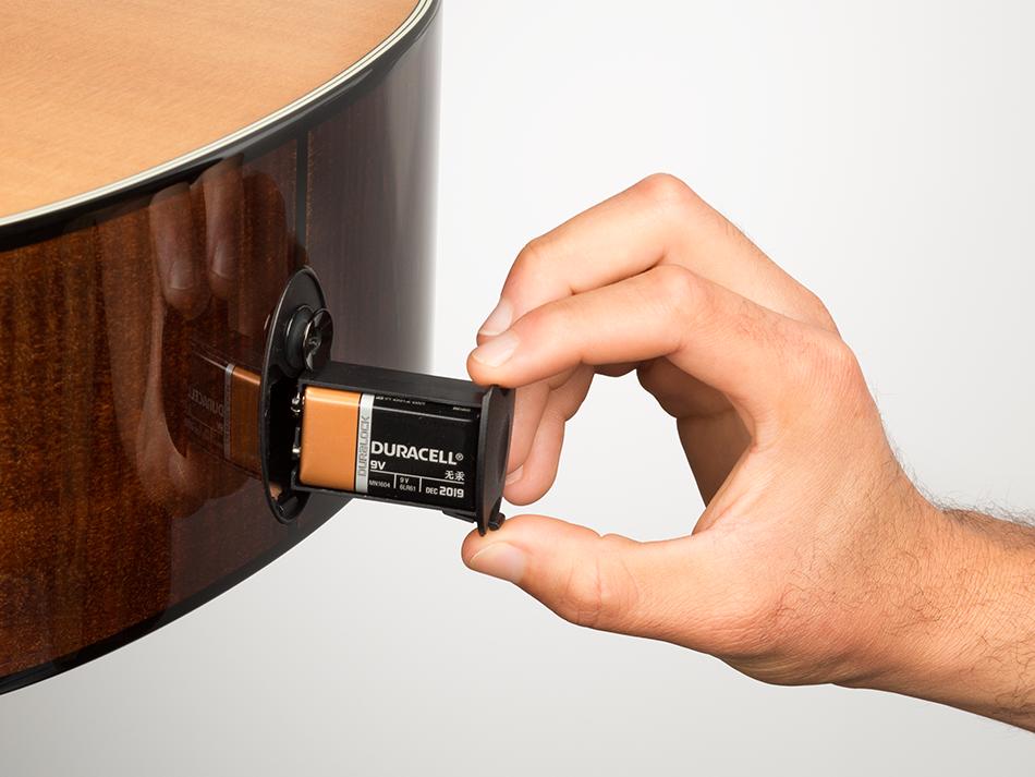 Las guitarras electroacústicas utilizan baterías de 9V,