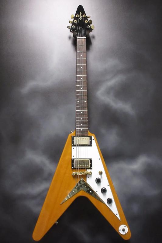 Guitarra eléctrica estilo Gibson Flying V