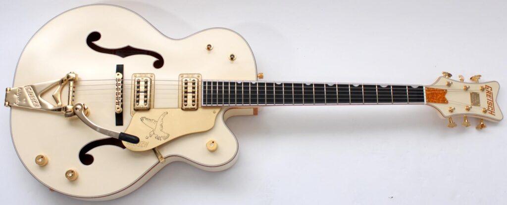 Guitarra de cuerpo hueco Gretsch White Falcon