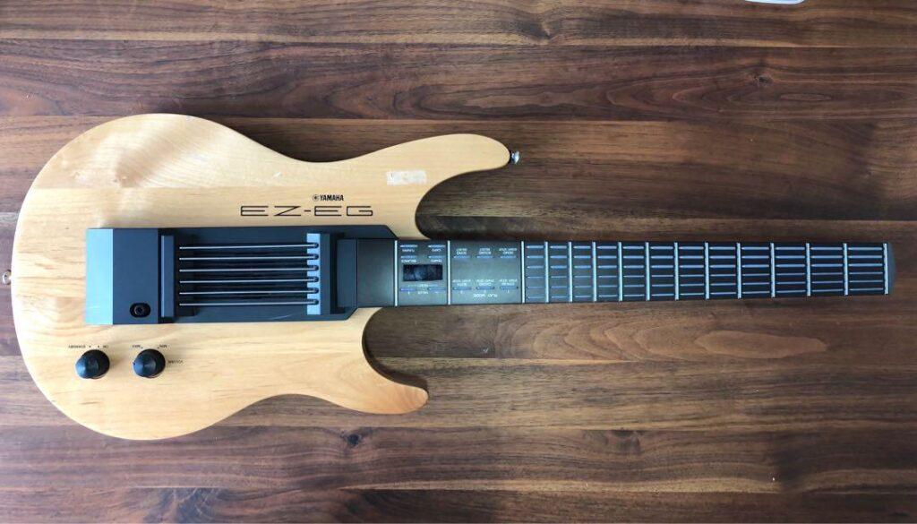 Guitarra MIDI de pulsadores YAMAHA EZ-EG